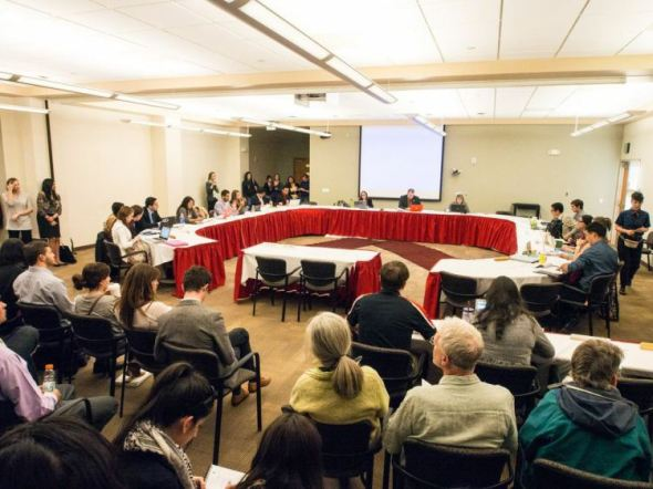 More than 150 people packed into ASUNM meeting in the Lobo A & B room at the UNM Student Union Building. The meeting began at 6 p.m. and ended shortly before 10 p.m. More than three hours were spent discussing the divestment resolution.